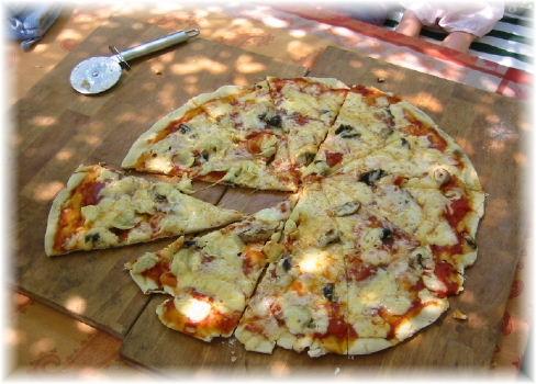 informations importantes sur la cuisson de pizzas avec une pierre a pizza. Black Bedroom Furniture Sets. Home Design Ideas